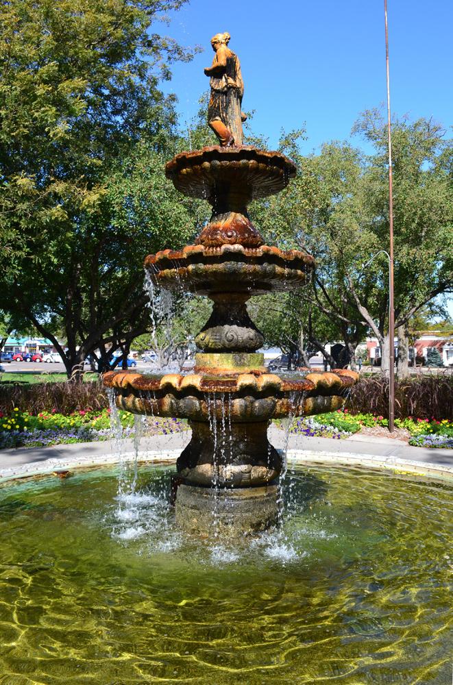 GI-Pioneer-Park-fountain
